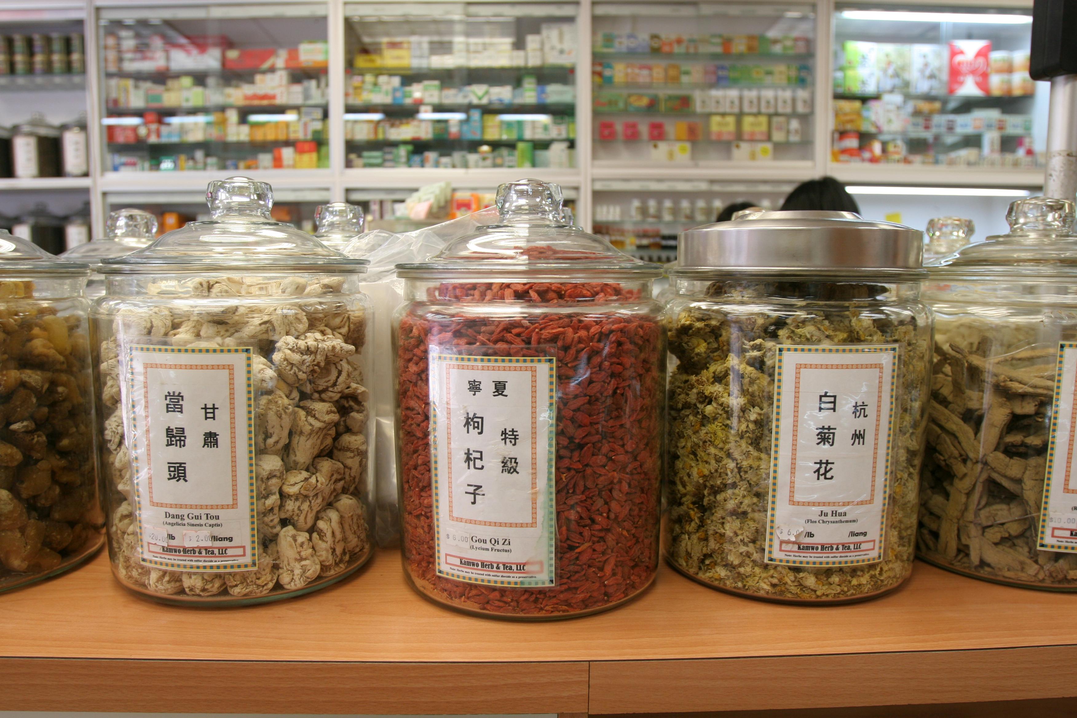 Már Európában is sorakoznak a patikákban a Kínából importált gyógynövények